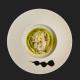 Albergínia brassejada al pesto amb làmines de parmesà